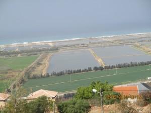 Utsikt mot fiskeoppdrett og Middelhavet
